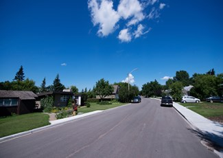 residential street in Fort Saskatchewan